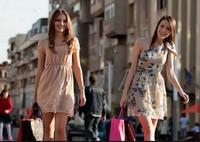 двойняшки на шопинге